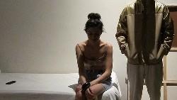 naracal prostitutka, na vrata se pojavila kerka mu